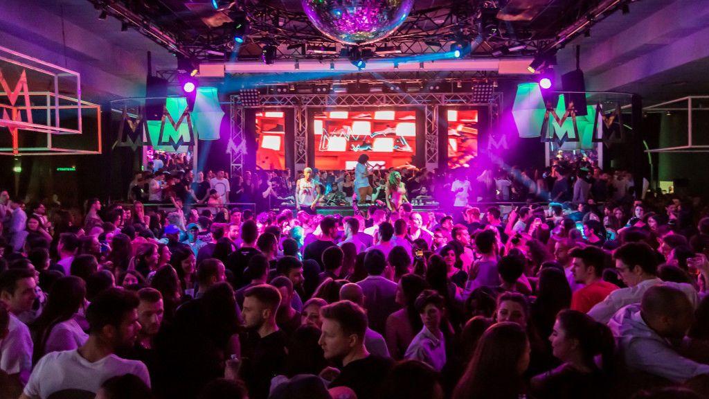 Indignación en las discotecas catalanas: la Generalitat recula y prohíbe el baile en los locales de ocio nocturno