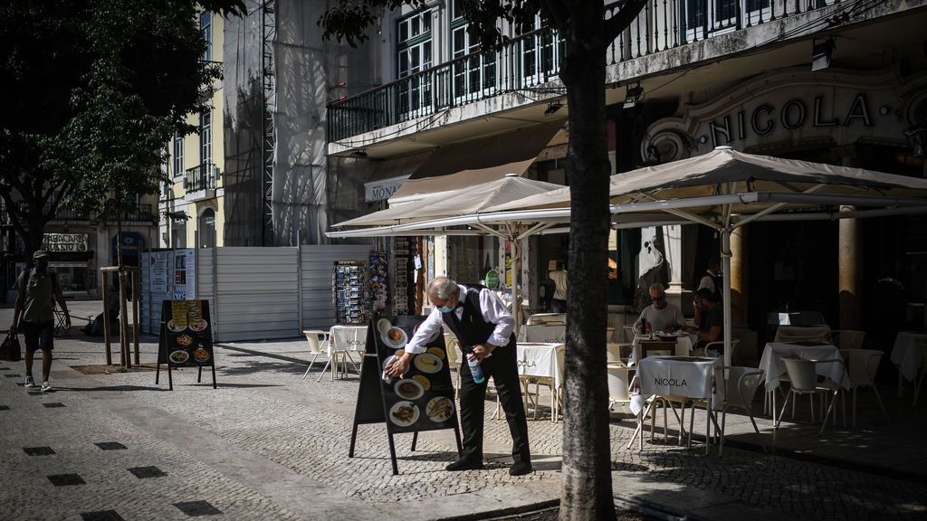 Portugal repunte... retoma restricciones en Lisboa... miedo turismo...