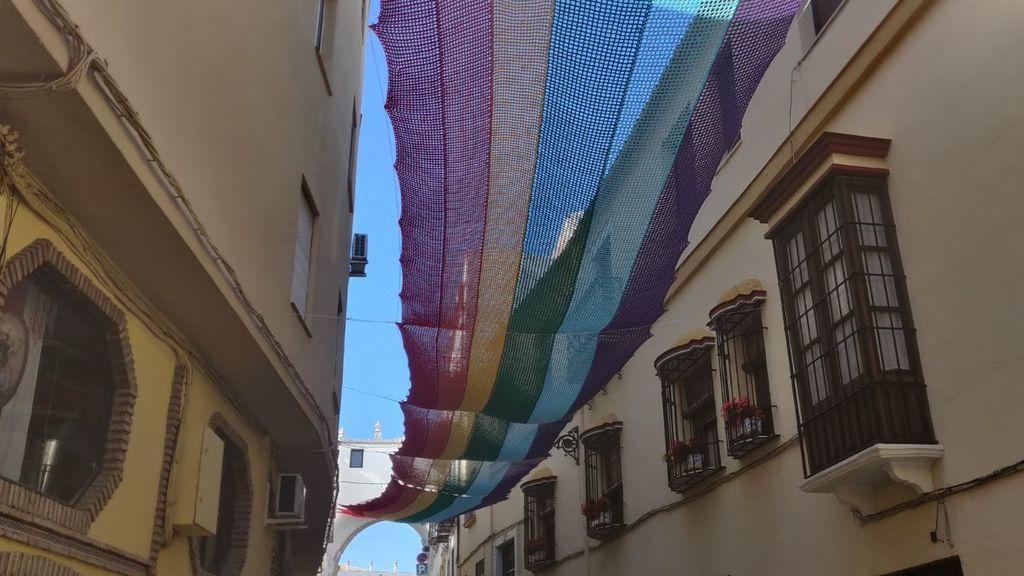 bandera gay hecha con ganchillo