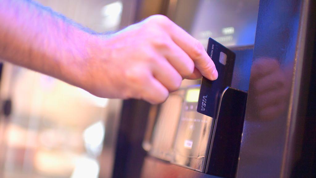 Un Juzgado declara la nulidad de una tarjeta revolving al considerarla usura