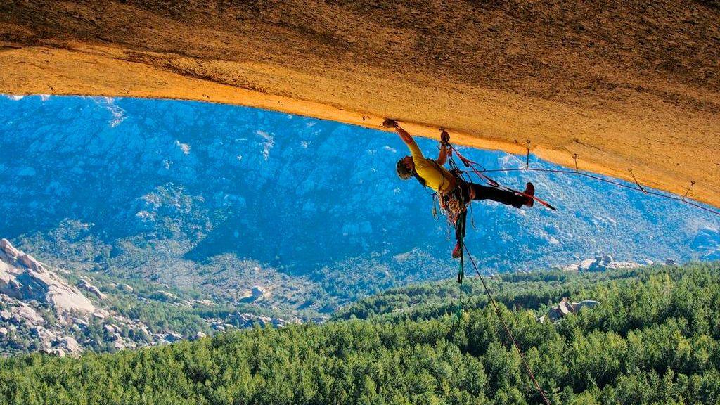 Equipo de escalada básico: qué material es necesario para escalar