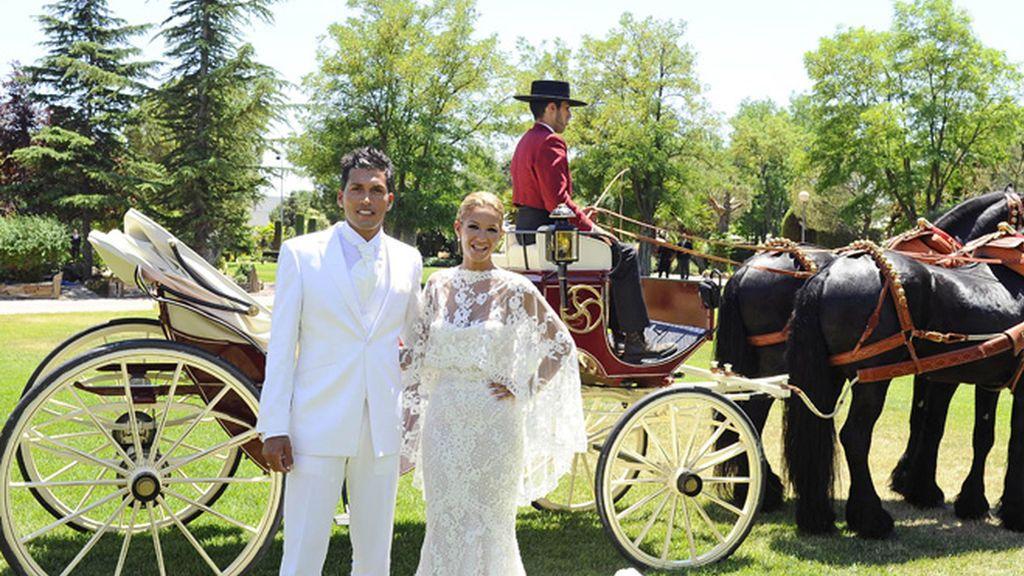 La llegada de Tamara Gorro y Ezequiel Garay a su boda