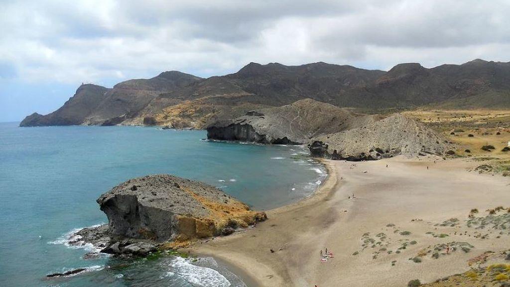 No al hotel en Genoveses: consiguen miles de firmas en un solo día para proteger un parque natural de Almería