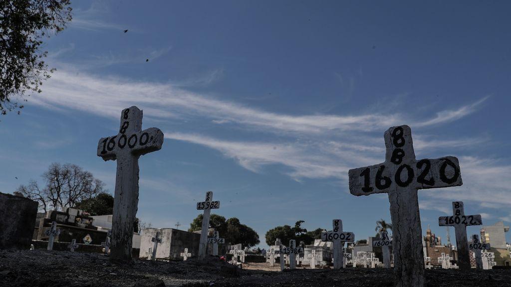 Muertos en bolsas de basura al lado de pacientes: la situación límite de Brasil por el coronavirus