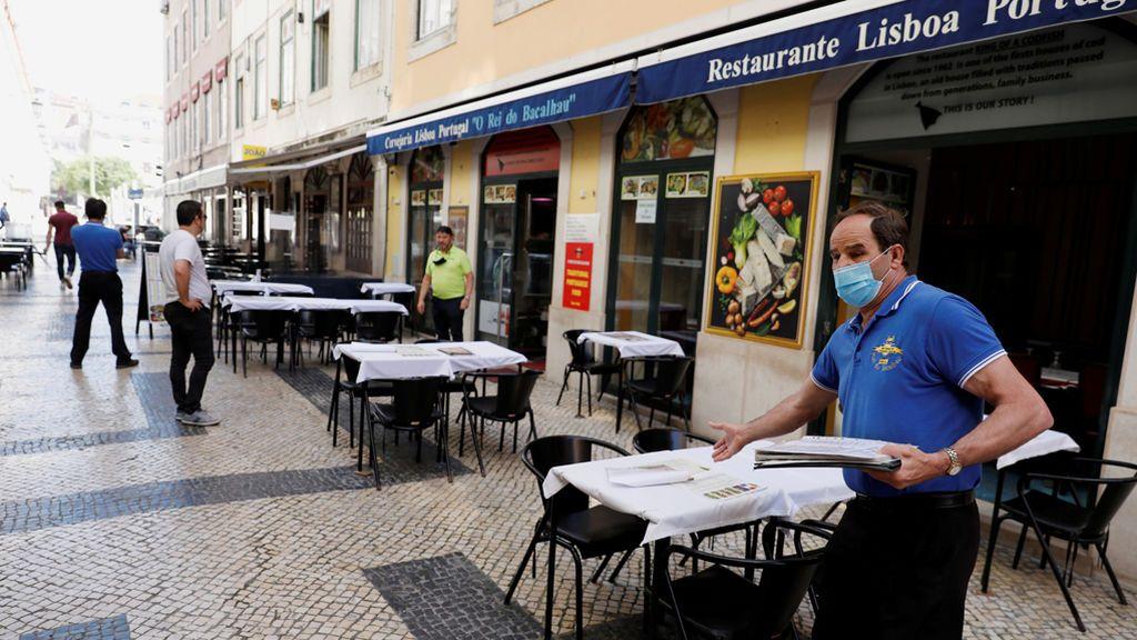Portugal vuelve a pisar el freno: confina 19 de los 24 distritos del área metropolitana de Lisboa