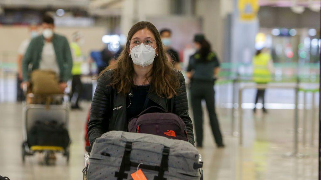 """Díaz Ayuso: """"El virus es casi inexistente en Madrid a no ser que vuelva por Barajas"""""""