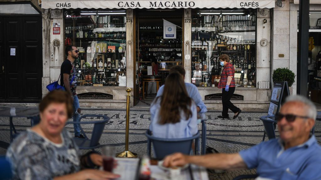 Portugal da otro paso atrás y confina 19 de los 24 distritos de Lisboa y su área metropolitana