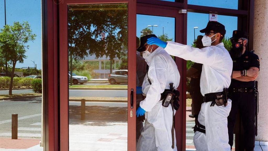 Sanidad informa de tres fallecidos por coronavirus y 157 personas contagiadas más