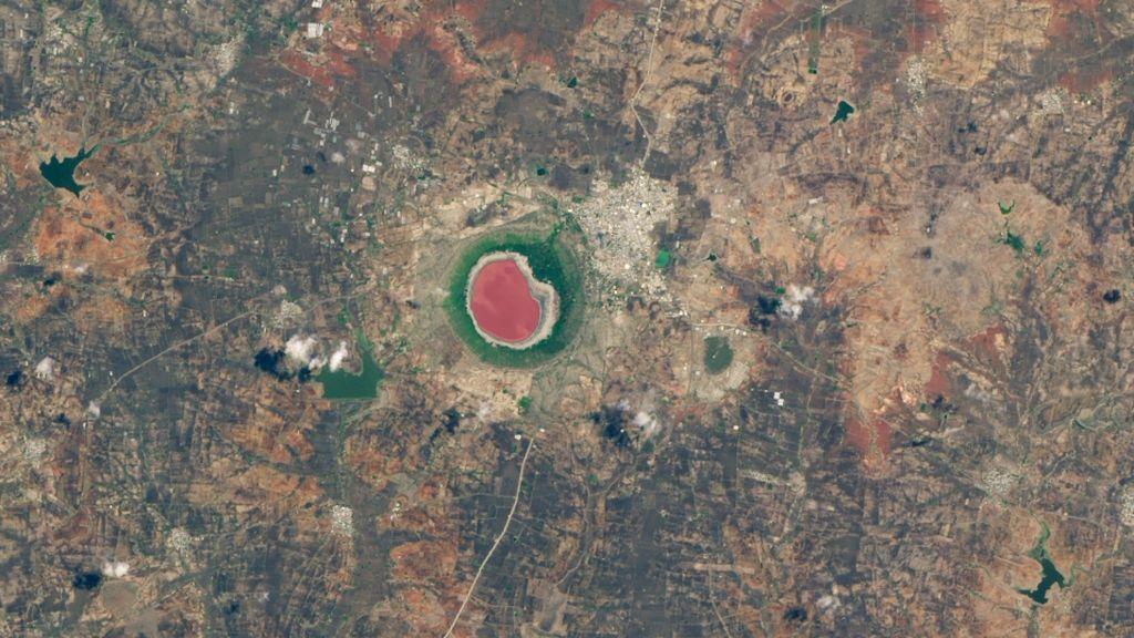Lagos que cambian de color: la Nasa explica el fenómeno que se da en varios lugares del mundo