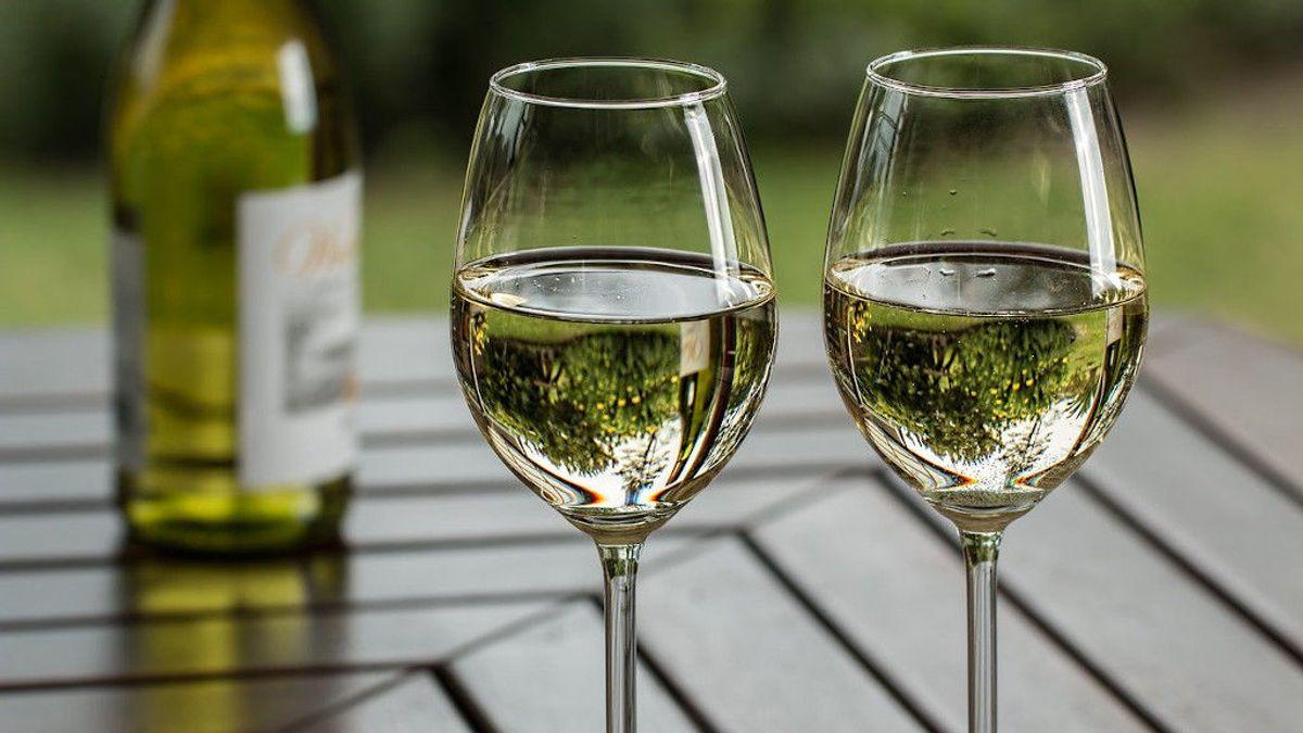 Vino blanco: la guía básica de lo que tienes que conocer para tomarlo