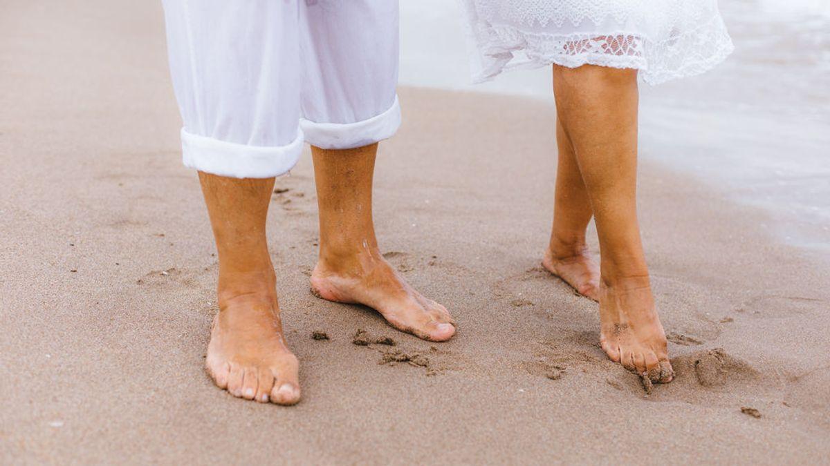 'Grounding', 'earthing' o el placer terapéutico de caminar descalzo: la última moda wellness