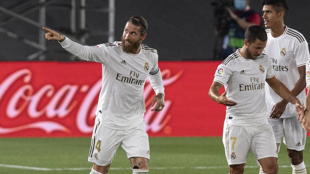 Sergio Ramos celebra un gol con el Madrid.