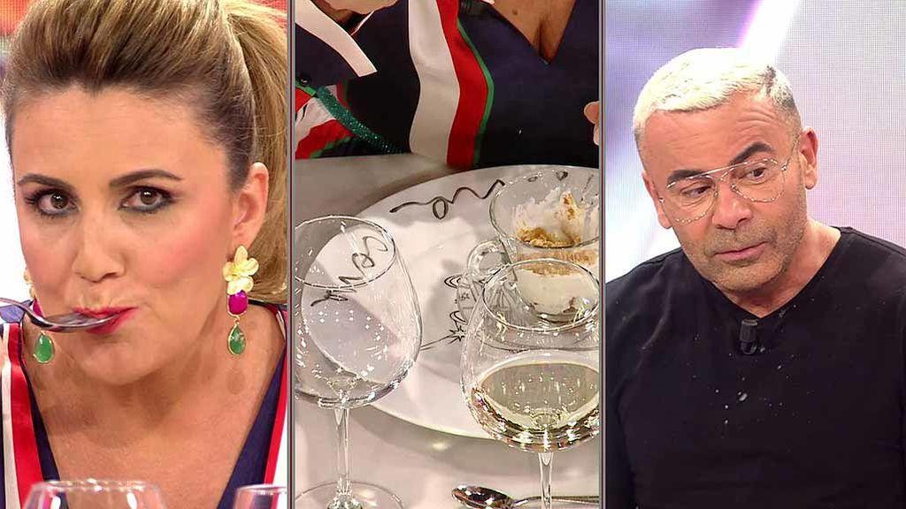 """Carlota Corredera se hace de rogar probando las croquetas """"tres chorbos"""" de J.J. y Belén: """"Como para llevarte a un menú degustación, hija"""""""