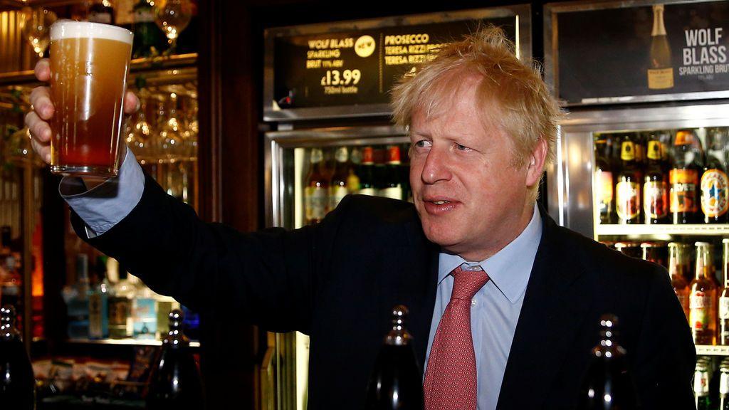 """No hay policías suficientes para la """"tormenta perfecta"""" que espera Reino Unido en plena pandemia"""