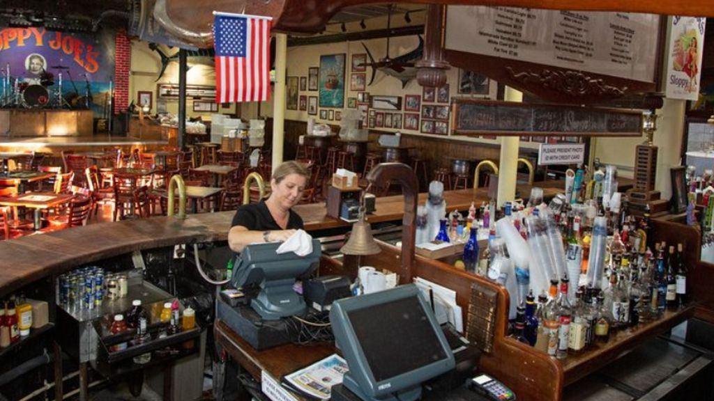 Texas cierra bares y Florida impide servir alcohol pero la ciudad de Albilene se resiste