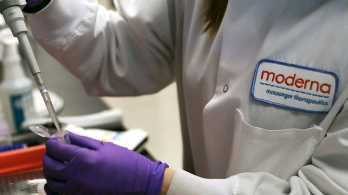 Los voluntarios que han probado la vacuna de EEUU contra el Covid-19 sufren fiebre alta y desmayos