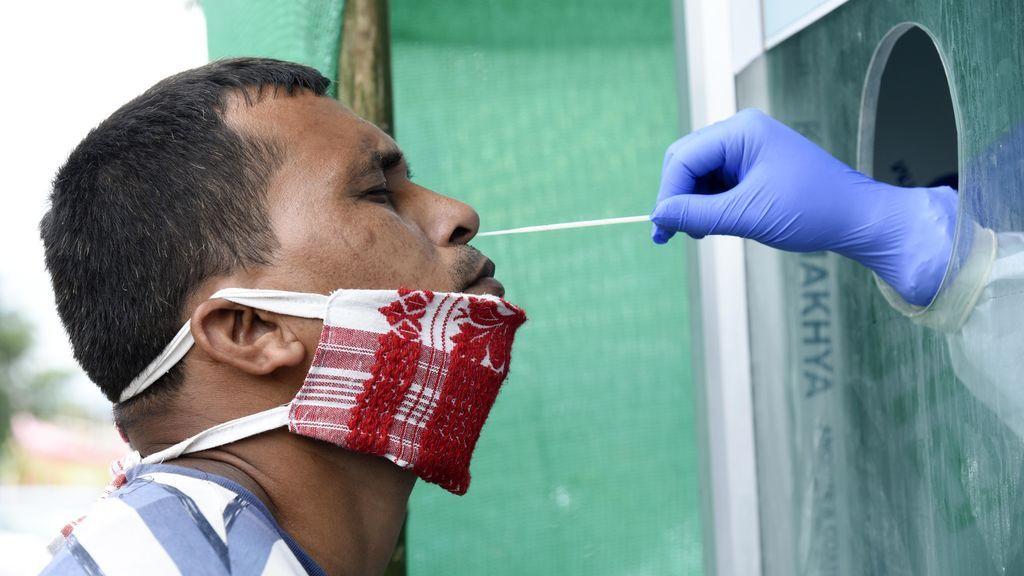 India rebasa el medio millón de contagios tras registrar un nuevo récord de 18.500 casos diarios