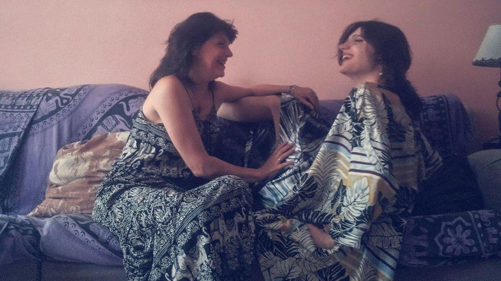 Miryam y Zoe en un momento distendido