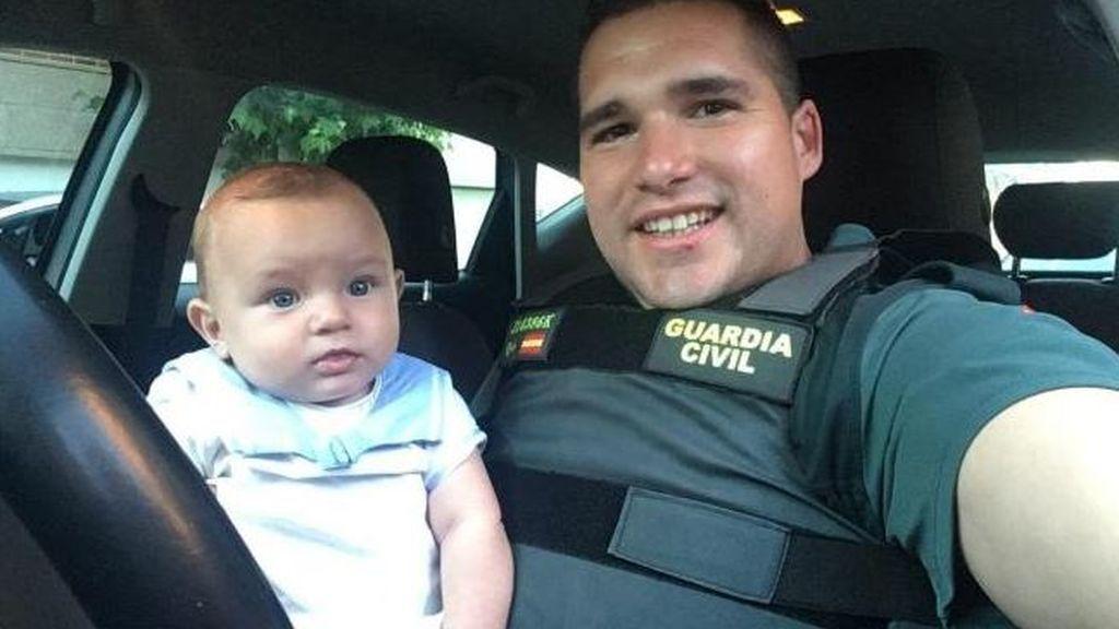 Un guardia civil fuera de servicio salva la vida a un bebé de 6 meses que entró en parada en Leganés