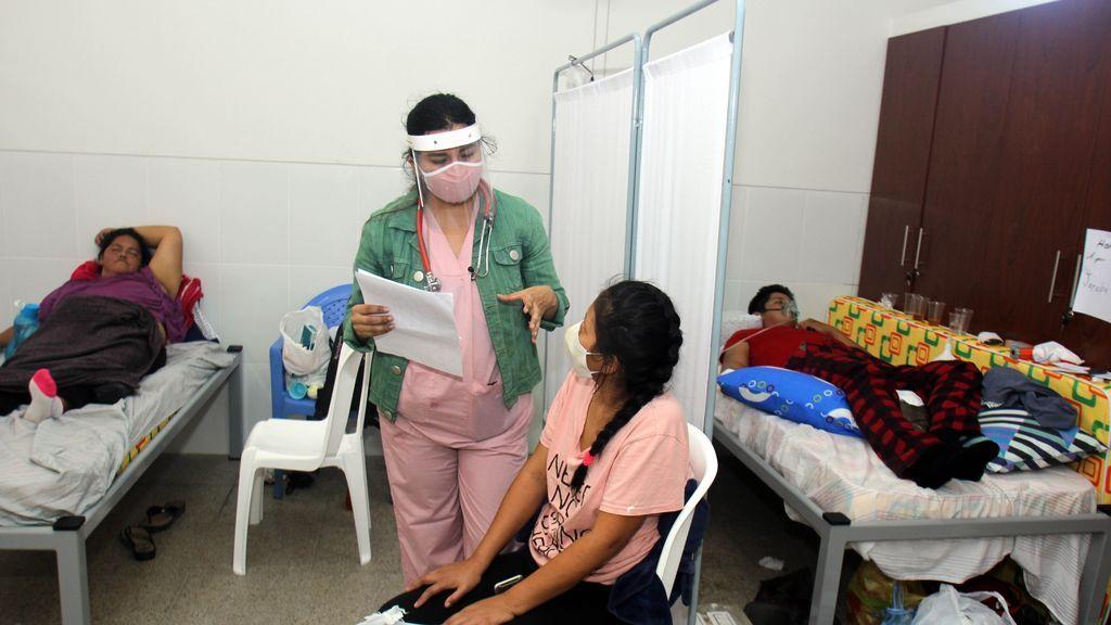 Bolivia amplía un mes más la cuarentena ante el aumento de casos de COVID-19.