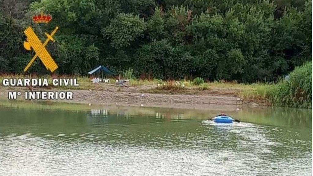 Rescatan a seis personas, dos menores, atrapadas en un saliente del cauce del río Ebro en Fontellas
