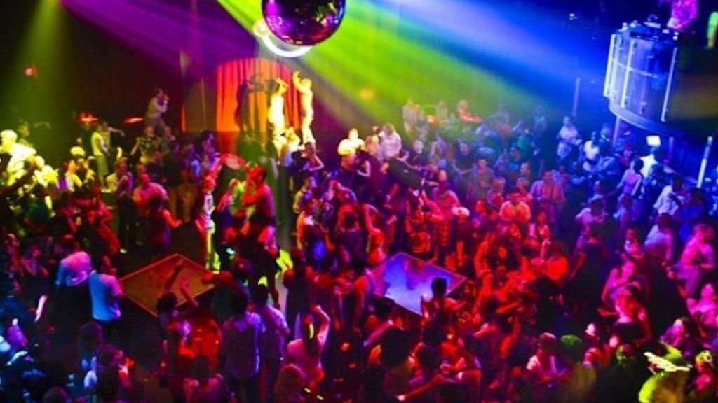 Desalojan a 130 personas de una discoteca de Ibiza por no cumplir las normas de Sanidad