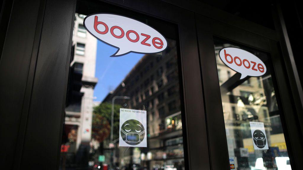 Los Ángeles se suma a Florida y decreta la ley seca en sus bares para frenar el COVID-19