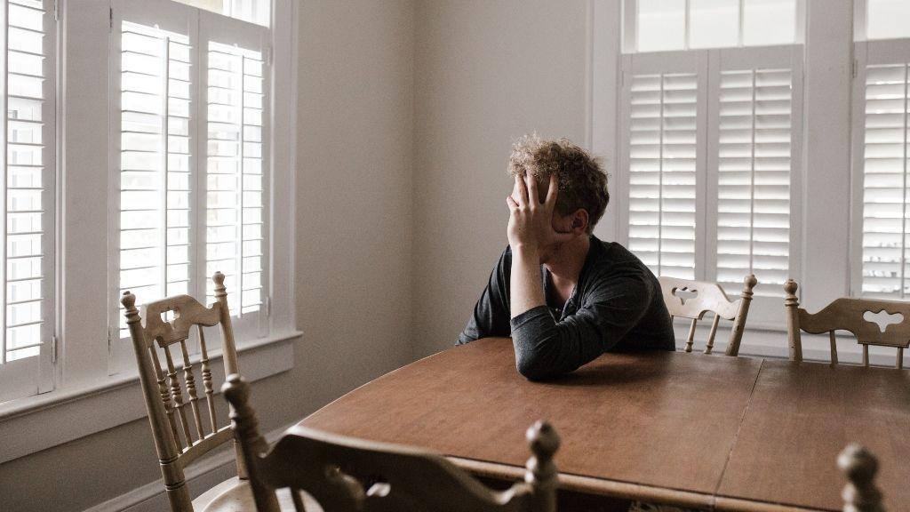 """""""Pensaba que tenía depresión, pero era hipotiroidismo"""": 5 enfermedades físicas confundibles con trastornos psicológicos"""