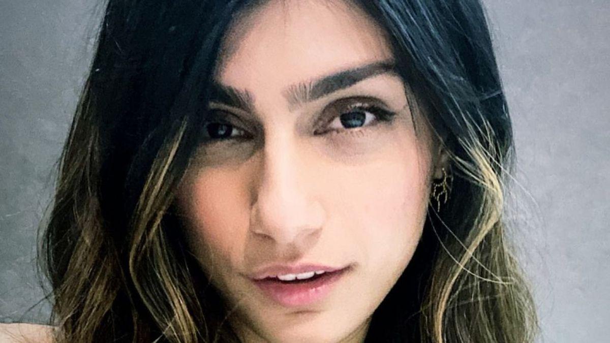 Acoso, ansiedad y machismo por dedicarse a la pornografía: la historia de Mia Khalifa