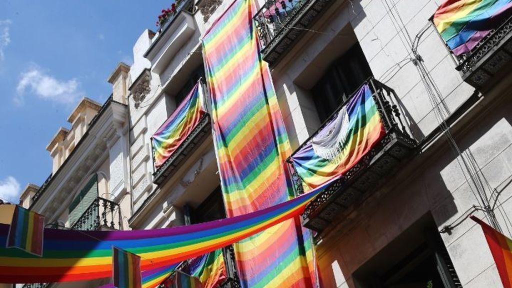 'Ama, hazlo con Orgullo': pistoletazo de salida en Madrid a la semana de celebración del Orgullo LGTBI 2020 en Madrid