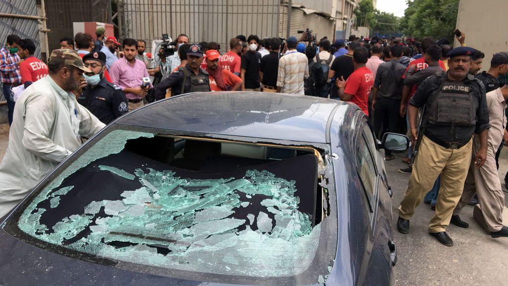 Varios muertos en el asalto a la Bolsa de Pakistán en Karachi