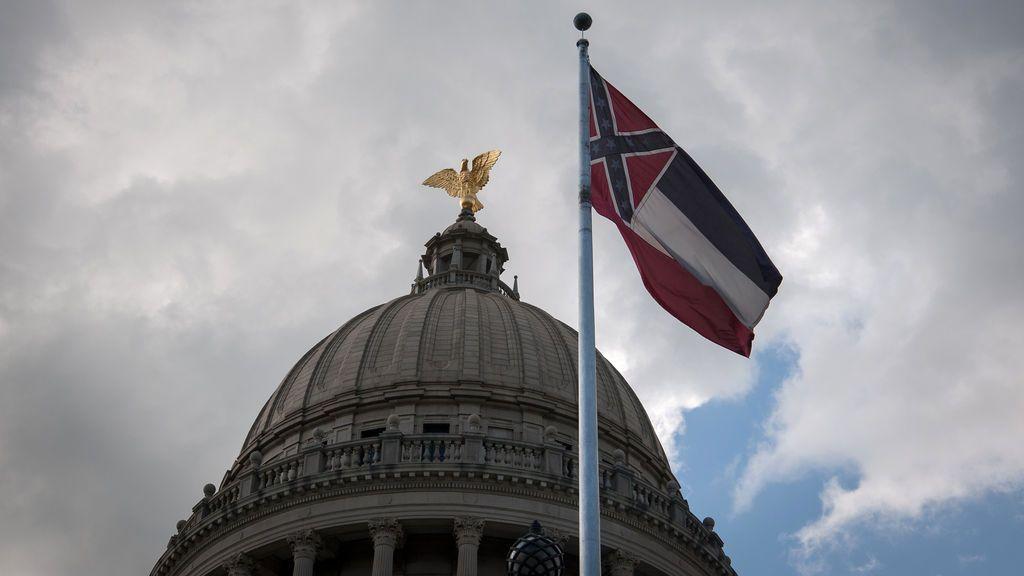 Adiós a la última bandera con el emblema confederado: Misisipi cede tras las protestas antirracistas