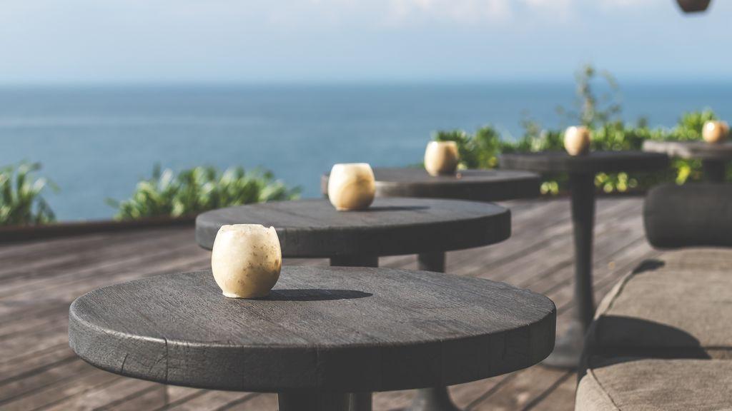 Lista de restaurantes top con terraza en España para celebrar los reencuentros con amigos.