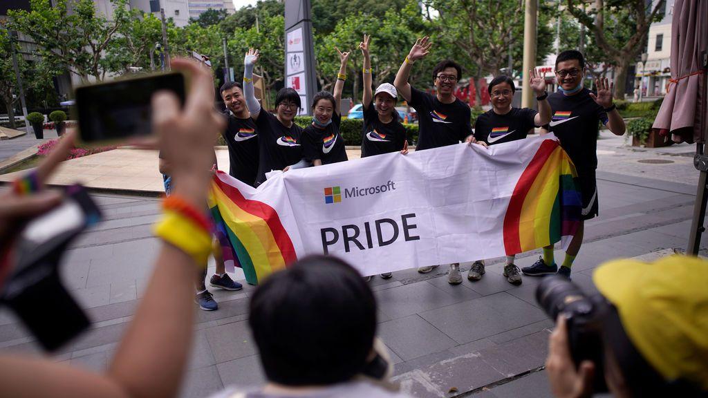 El 80 % de los hombres homosexuales chinos se casa con mujeres por presión familiar