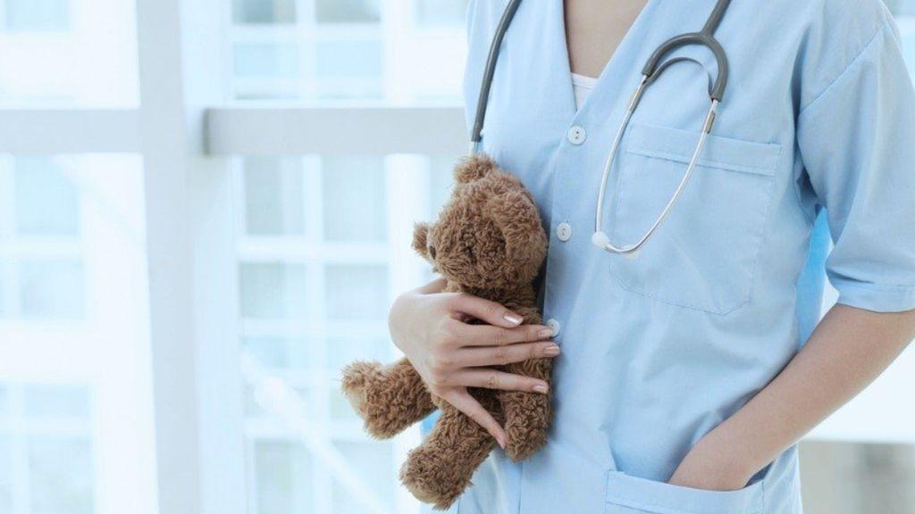 Los pediatras advierten: la gripe y el coronavirus  pueden ser una tormenta perfecta que colapse la atención