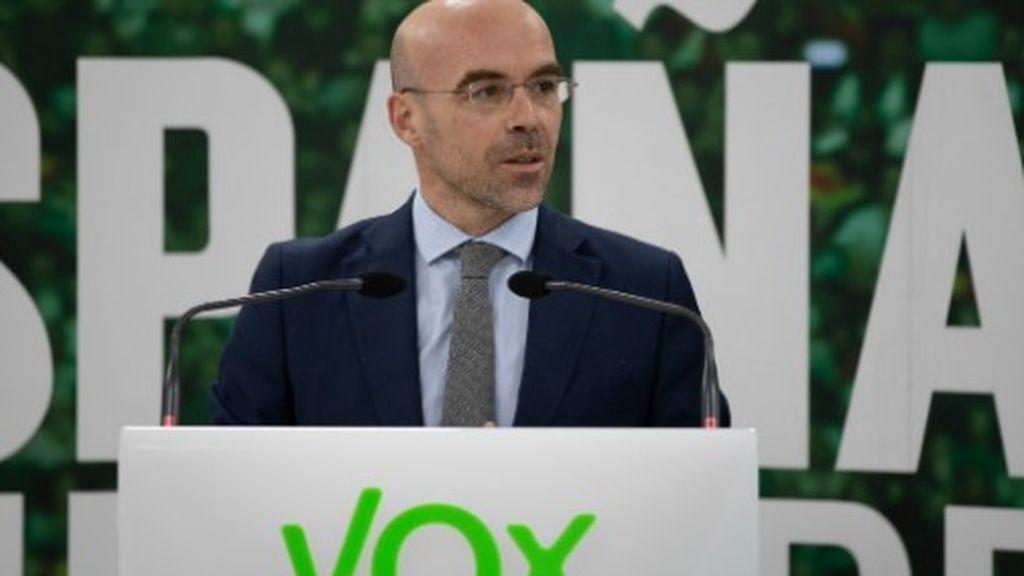 """Vox insulta a Pedro Echenique al que llama """"meme odioso"""""""