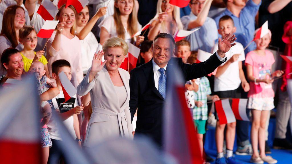 Duda y Trzaskowski pasan a la segunda vuelta de las presidenciales de Polonia