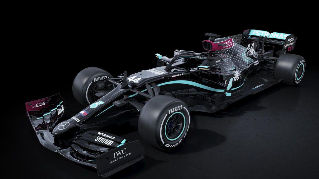 """Mercedes se pasa al color negro para """"luchar contra el racismo y la discriminación"""" y contentar a Hamilton"""