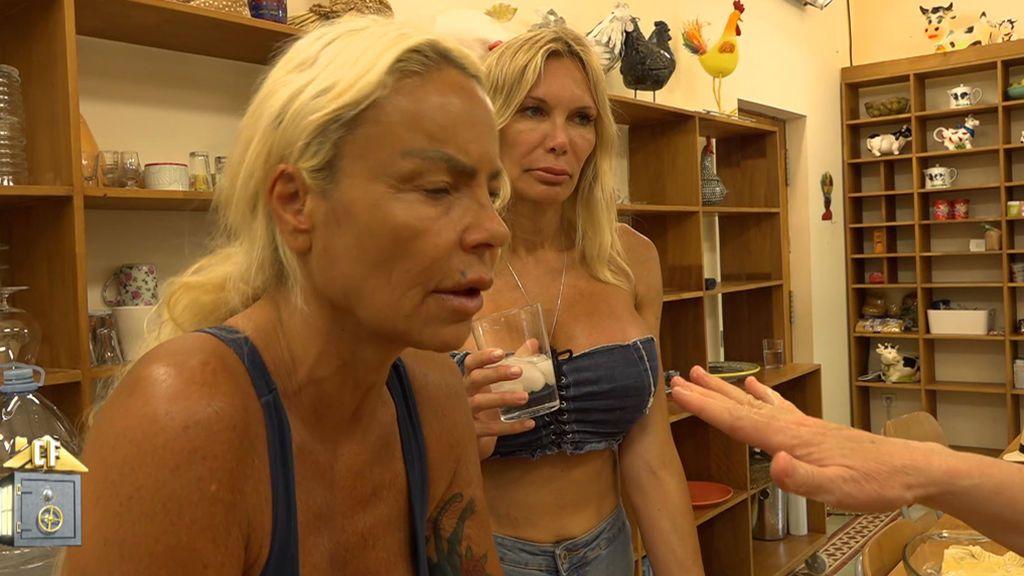 """Leticia y Yola se enfrentan a sus compañeros: """"No entiendo como unas personas te pueden negar la comida"""""""