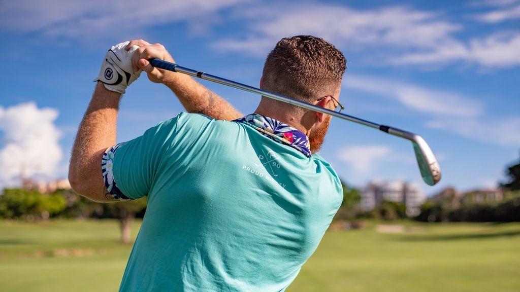 man-playing-golf-1409004