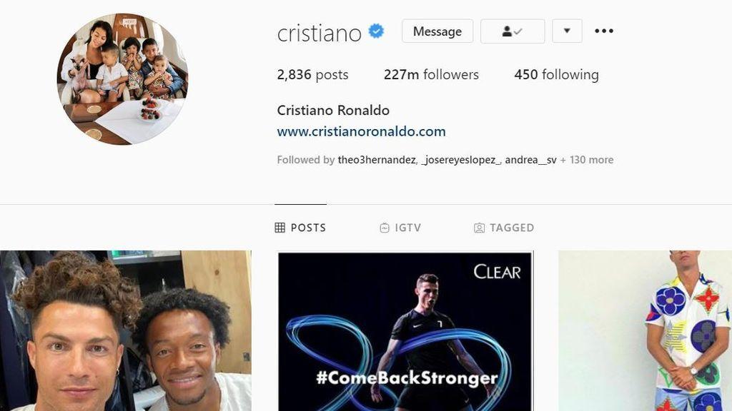 Cristiano cambia su imagen de marca por una foto de su familia