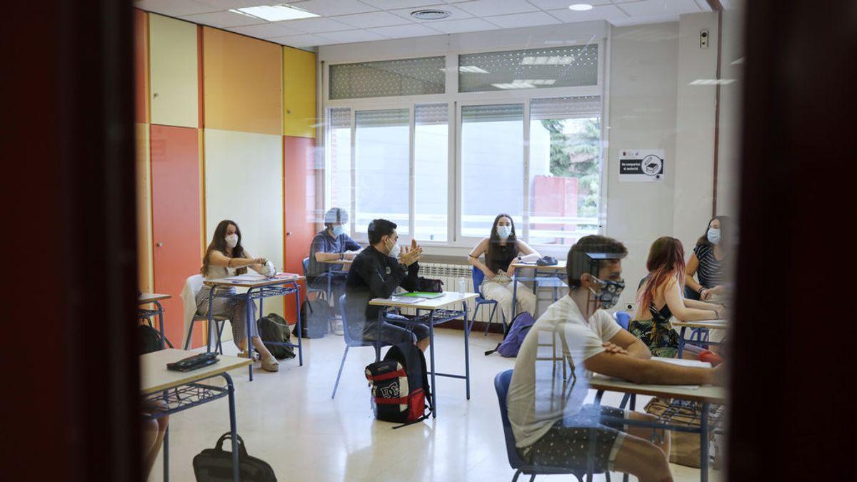 """Alumnos ante la Selectividad: """"Entre la mascarilla y el calor de julio, va a ser un agobio"""""""