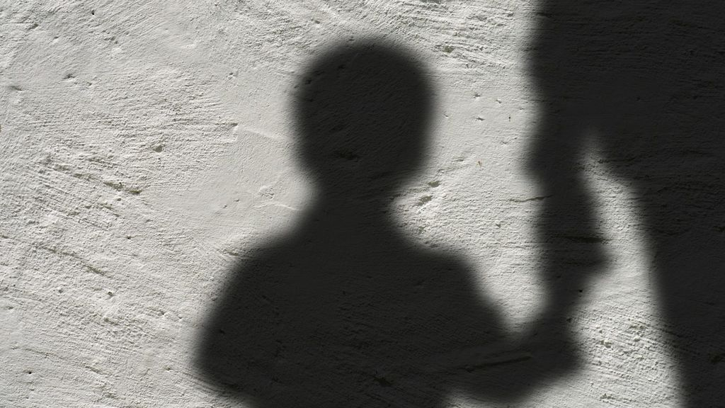 Piden 14 años de cárcel para un acusado de abusar sexualmente durante años de su hijastra menor de edad