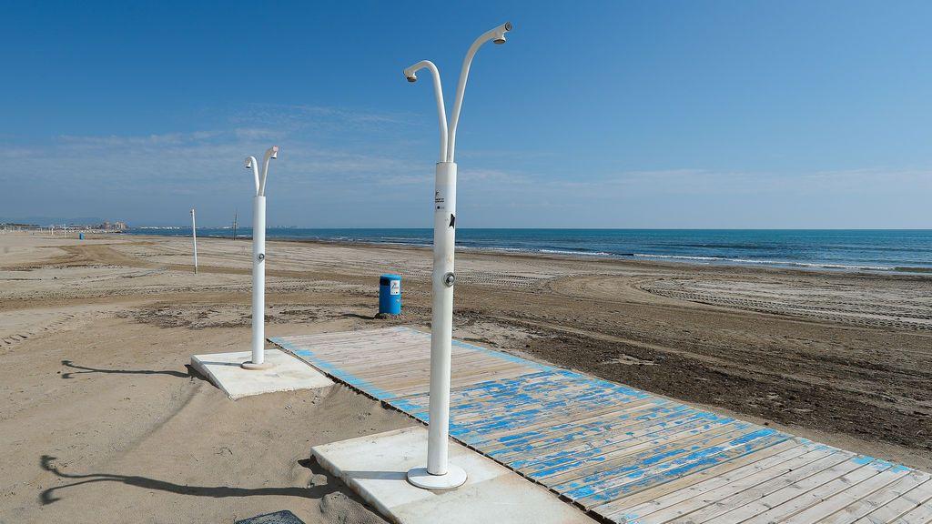 Playa de la Malvarrosa, en Valencia, durante el estado de alarma