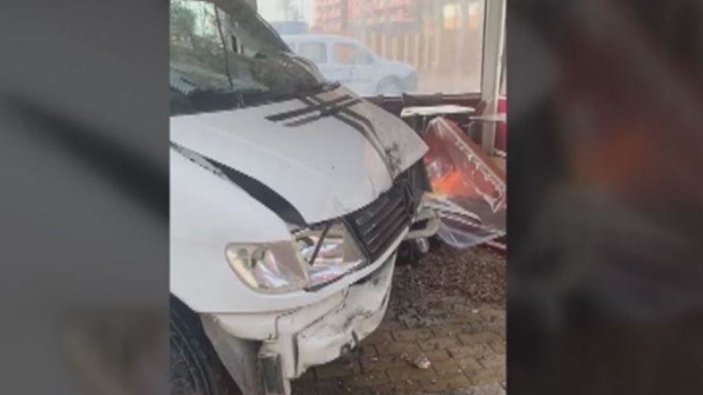 Accidente con una furgoneta descontrolada en Almería