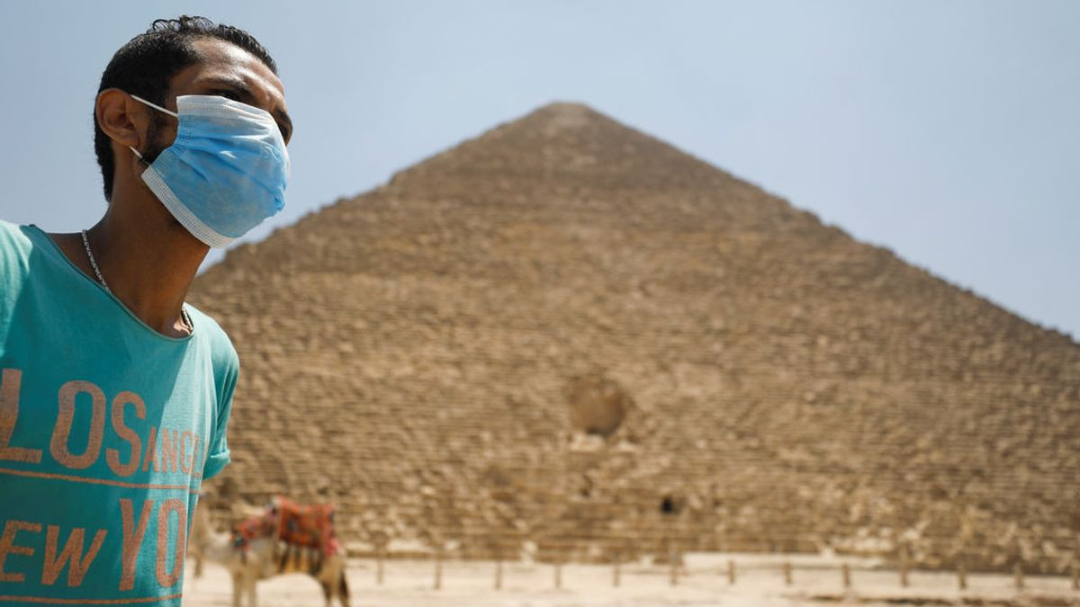 Egipto reabre sus pirámides, museos y aeropuertos