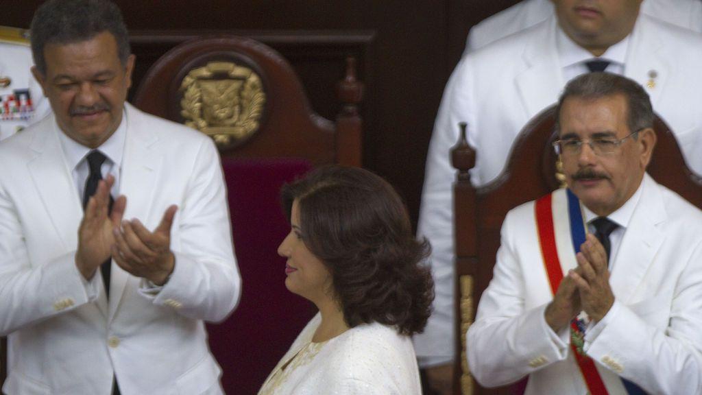 Culebrón en las elecciones de República Dominicana: un expresidente rival de su mujer y un favorito con coronavirus