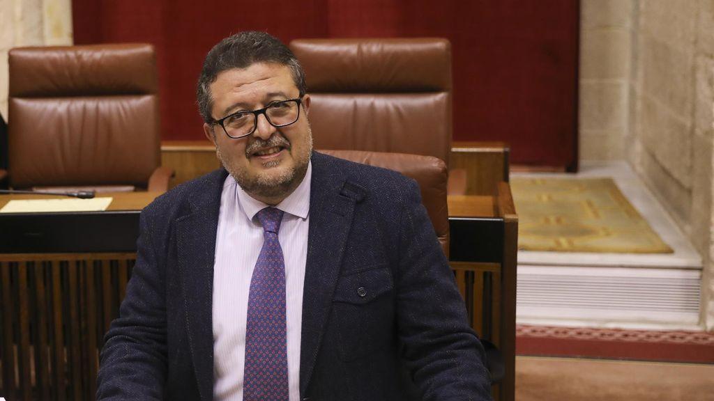 El juez Serrano acorralado por las acusaciones de fraude abandona  Vox pero seguirá como diputado en Andalucía