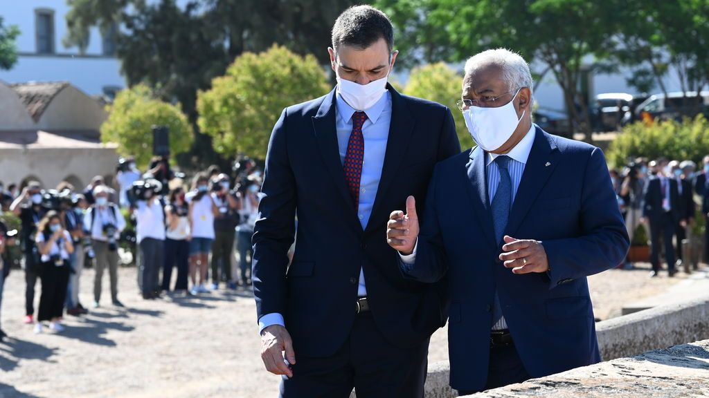 Pedro Sánchez, junto al primer ministro portugués Antonio Costa