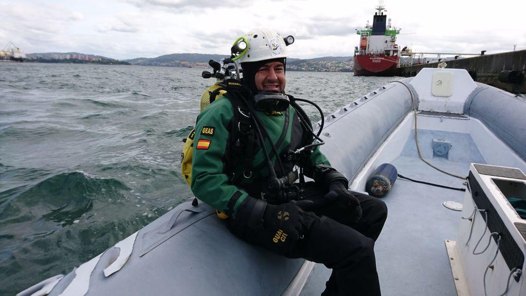 """""""Pensaban que nos habíamos ahogado"""": Un guardia civil rescata a un niño de 10 años en una playa de A Coruña"""